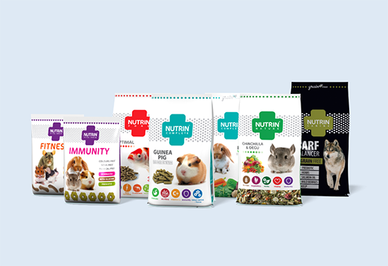 Packaging of pet and horse food